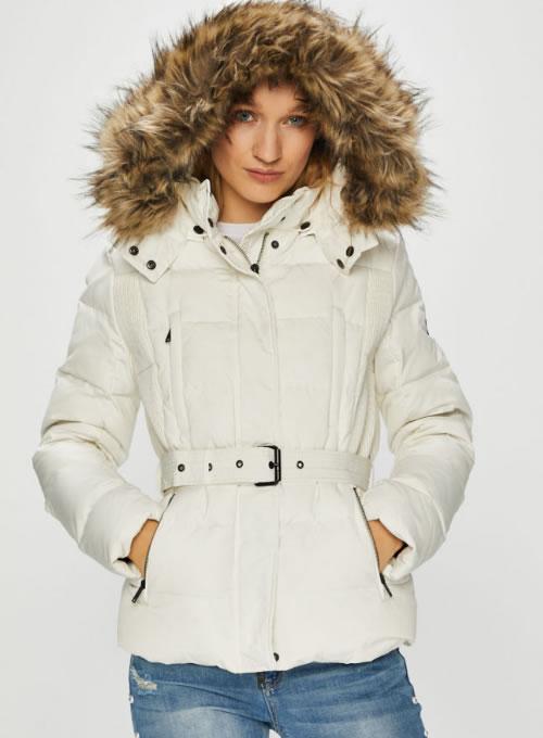 vânzare la cald reducere mare cel mai recent design IATA o geaca scurta de puf DAMA din noua colectie Pepe Jeans!