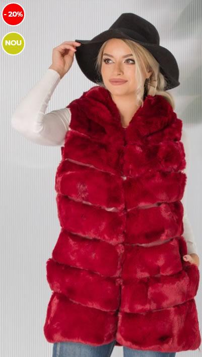 Vesta blana artificiala rosie cu gluga